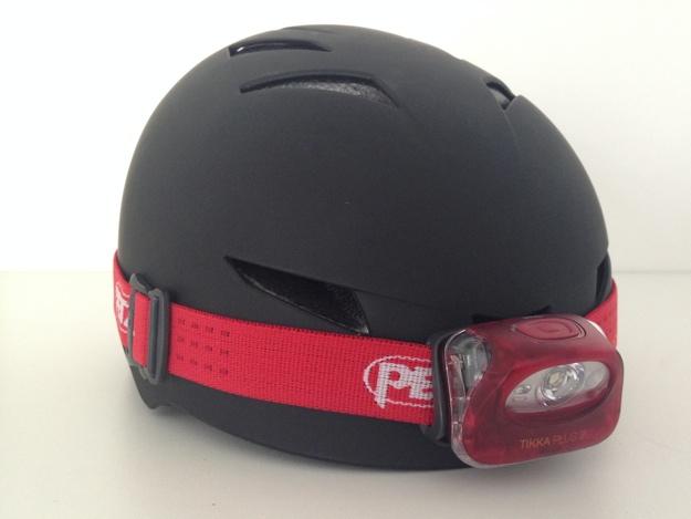 Helm mit Stirnlampe